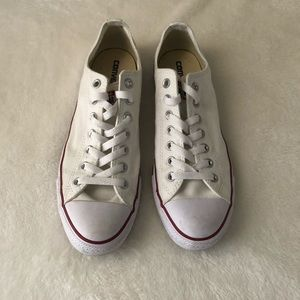 Converse Chuck Taylor All Star Lo Top ****Read****